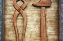 Tenailles et marteau